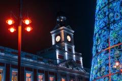 E Ayuntamiento y los clo famosos de Puerta del Sol fotografía de archivo libre de regalías