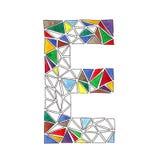 E-Buchstabe im Aquarell deckte Mosaik im geometrischen Stil mit Ziegeln Stockfoto