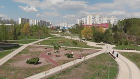 E 2019 Bulevar 16 no distrito Zelenograd ap?s a reconstru??o vídeos de arquivo
