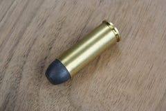 E 45 cartouches de revolver datant à 1872 Photos stock