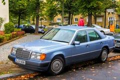 E-classe de Mercedes-Benz W124 imagem de stock royalty free