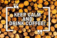 E De conceptuele foto bevordert het aantonen om cafeïne van drank te genieten en te ontspannen stock illustratie