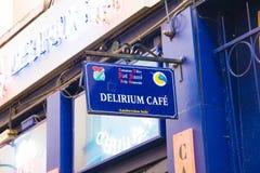E 02 19: Deliriumkoffie in Brussel stock foto's