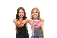 E Entspannen Sie sich und laden Sie neu Wasserbilanzkonzept Tee zusammen genie?en Schwestern oder lizenzfreie stockfotos
