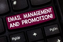 E Enviamento de texto da foto do negócio como a campanha de publicidade fotos de stock royalty free