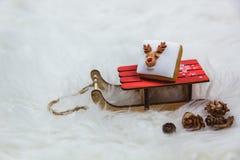 E Feliz Navidad - diseño del cartel o de la postal imágenes de archivo libres de regalías