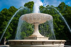E Fontaine dans le jardin de Saxon ? Varsovie photos stock