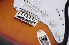 E-Gitarre - Detail von Schaltern Stockbild