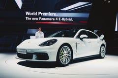 E-híbrido 2017 de Porsche Panamera 4 Fotografia de Stock Royalty Free