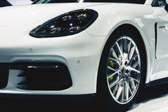 E-hybride 2017 de Porsche Panamera 4 Images stock