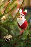 E Julbakgrund med jultoys Royaltyfri Foto