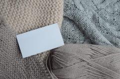E knitting Natuurlijke wol Knitted sweater stock afbeeldingen