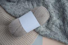E knitting Natuurlijke wol Knitted sweater royalty-vrije stock foto