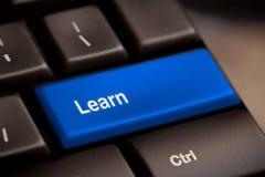 E-lära begrepp. Datortangentbord Fotografering för Bildbyråer
