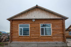 E la città eleganza della casa dell'azienda agricola di Ergunaen di quantità della riva del fiume di piccola Fotografia Stock