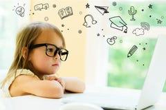 E-learning con la bambina Immagine Stock Libera da Diritti