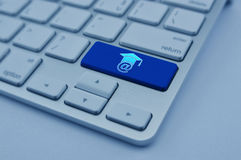 E-learning icon on modern computer keyboard button, Study online Stock Photo