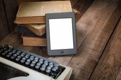 E-lecteur sur la table image stock