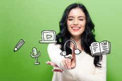 E-leert met jonge vrouw Stock Afbeeldingen