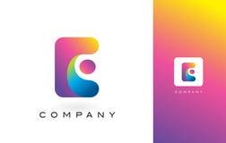 E Logo Letter With Rainbow Vibrant Mooie Kleuren Kleurrijk RT Royalty-vrije Stock Fotografie