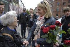 E.M. HELLE THORNING-SCHMIDT MÖTER VÄLJARE Royaltyfri Foto