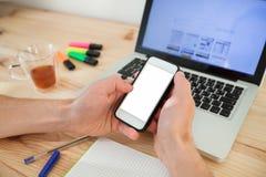 E-Mail auf Smartphone Stockfoto