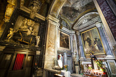 ¹ e Maria Church, Jesus e Mary de Gesà Indicadores velhos bonitos em Roma (Italy) Imagens de Stock
