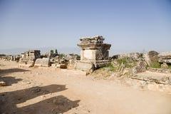 E Pogrzeby w antycznym necropolis zdjęcie royalty free