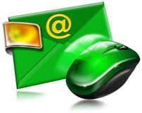 E-postbegrepp med musen Arkivfoton