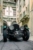 E r Красивый исторический винтажный автомобиль Bentley стоковое фото