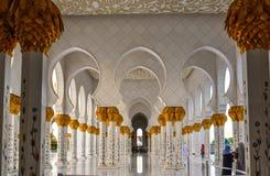 阿布扎比,阿拉伯联合酋长国的盛大清真寺 库存照片