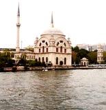Mezquita de Dolmabahçe foto de archivo