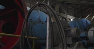 Capture d'une pelle à tambour à l'intérieur Travaux de pelle à pelle ouverte Salle des machines pour pelles à dragons Travail lou clips vidéos