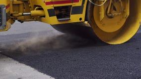 E Reparatie van wegen stock video