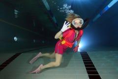 Żeński akwalungu nurek Zdjęcie Royalty Free