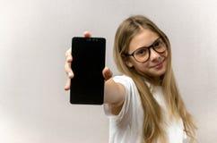 E Smart teknologi framf?rd mobil bild f?r anslutning 3d r royaltyfri fotografi