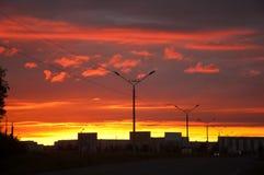 E Stadt im Sonnenuntergang lizenzfreie stockbilder
