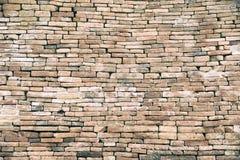 E Texture de mur de briques ?g?e par rouge Fond de construction r photos libres de droits