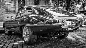 E-tipo 4 de Jaguar del coche de deportes 2 fotos de archivo libres de regalías