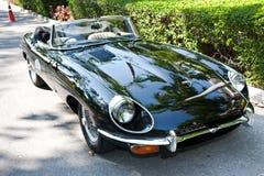 E-Tipo do jaguar na parada do carro do vintage Imagem de Stock