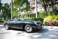 E-Tipo do jaguar na parada do carro do vintage Foto de Stock Royalty Free