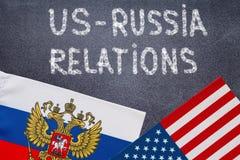 E.U. - Relações de Rússia na placa de giz fotos de stock royalty free