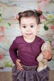 1 e una mezza neonata di un anno dell'interno Fotografia Stock Libera da Diritti