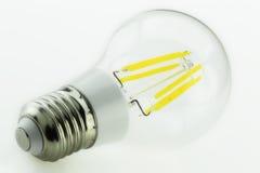 E27 6W riscaldano la lampadina bianca del LED con sei bastoni luminosi Fotografia Stock Libera da Diritti