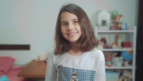 E Zeitlupevideo r Jugendlich Mädchen stock footage
