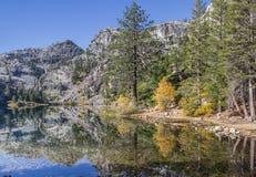 Eagle湖,秋天的加利福尼亚 库存图片