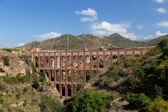 Eagle Aqueduct em Nerja, Espanha fotos de stock