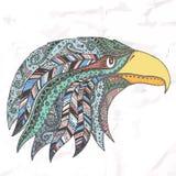 Eagle in copricapo tribale messo le piume a Immagini Stock