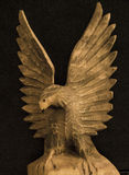 Eagle en bois fait main image stock