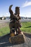 Eagle Hawk Bear Chain Saw Carving Stock Foto